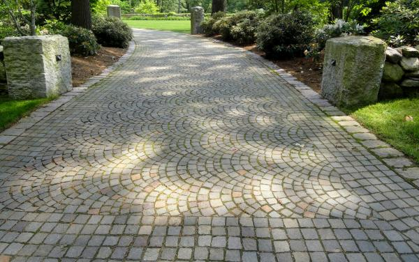 Create A Stylish Natural Driveway With Setts And Cobbles