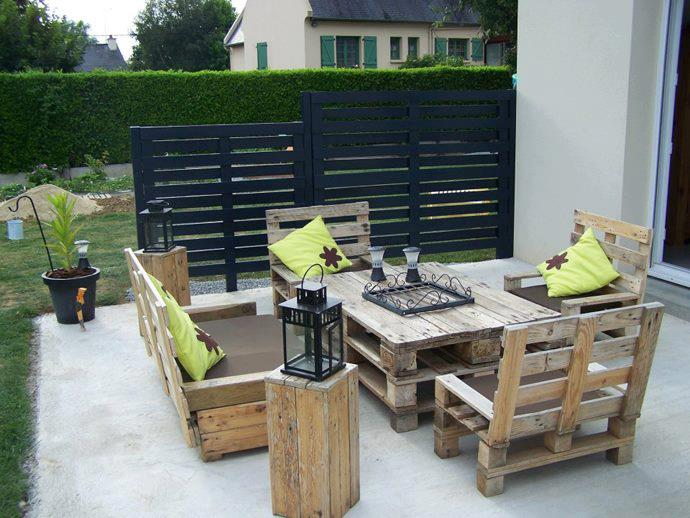 What Are The Advantages Of Recycling Wood Pallets For Your Home?