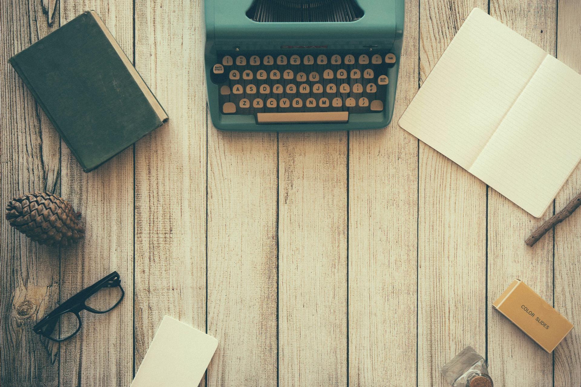 typewriter801921_1920