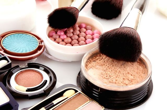 7 Must Have Makeup Products For Every Girl