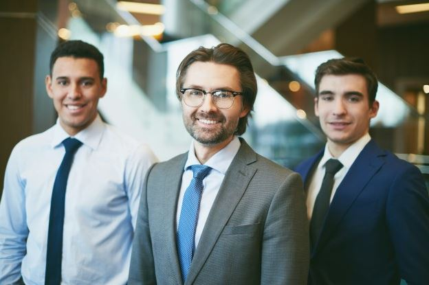 4 Tips Businessmen Use To Become Experts In Their Industry