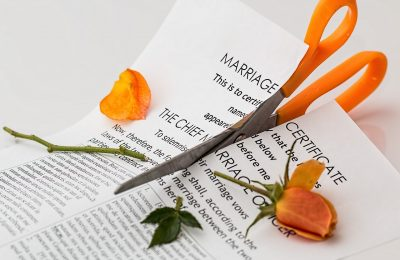 3 Unfortunate Pitfalls of Divorce without Legal Counsel