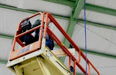 What to Teach Your Staff Before Hiring Scissor Lift Services
